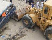 أوناش المرور ترفع حطام حادث سقوط سيارة من أعلى كوبرى ناهيا