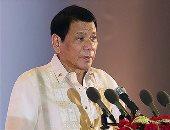 رئيس الفلبين يمازح جنوده: إذا اتهم أحدكم باغتصاب 3 نساء سأتحمل المسئولية