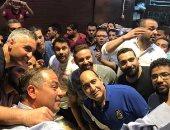 بالصور.. الثعلب وسيف زاهر يحتفلان بعيد ميلاد الصقر فى مطعم بإمبابة