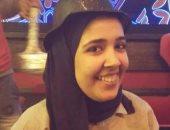 بالصور..فتاة تطالب وزير الصحة بالتدخل لإجراء عملية جراحية لزرع الحبل الشوكى