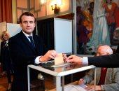 صحيفة بلجيكية: ماكرون سيحقق 60% أمام منافسته لوبان