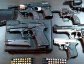 ضباط مباحث تضبط محل لبيع الأسلحة بدون ترخيص بمنيا القمح