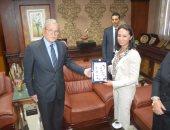 بالفيديو والصور .. محافظ المنيا يستقبل رئيس المجلس القومى للمرأة