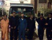 بالصور .. بدء أعمال شركة جمع القمامة بالمنازل والمحال بحامول فى كفر الشيخ