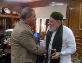 على جمعة يزور القائم بعمل رئيس جامعة الأزهر الجديد ويهنئه بالمنصب