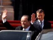 هولاند محذرا ماكرون: لا تطلب من الفرنسيين تقديم تضحيات غير مفيدة