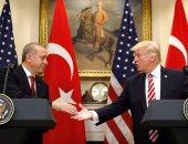 ترامب وأردوغان يتفقان هاتفيا على تحسين العلاقات بين أمريكا وتركيا