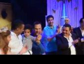 شاهد.. محمد رمضان فى نهاية العرض المسرحى: ابنى على خجول ومش طالعلى