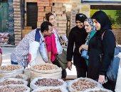 بالصور.. إقبال ضعيف على شراء ياميش رمضان بعد ارتفاع أسعاره