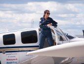 بالصور.. من مخيم اللاجئين إلى سماوات العالم.. شيستا أول كابتن طيار أفغانية