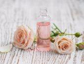 """في الشتا.. العناية بالجسم بـ""""زيت الورد"""" للحماية من الجفاف"""