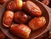 مع اقتراب شهر رمضان.. فوائد صحية لتناول التمر أبرزها علاج الأنيميا