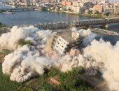 بالفيديو.. القوات المسلحة تفجر مبنى غير مأهول مقام على حرم النيل بالقليوبية