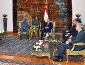 """السيسي يشكر غينيا لدعمها ترشيح مشيرة خطاب لـ""""اليونسكو"""""""