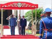 الرئيس السيسى يستقبل نظيره الغينى فى قصر الاتحادية ويستعرضان حرس الشرف