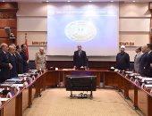 """بالصور.. الحكومة تقف دقيقة حدادا على شهداء المنيا فى اجتماع """"استرداد الأراضى"""""""