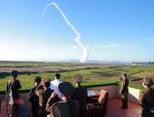كوريا الشمالية تتحدى العالم وتطلق صاروخا جديدا