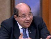 منجلكوش فى ثورة.. حقوقى يمسح بكرامة مذيع الجزيرة ومحمد على الأرض.. فيديو