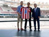 بالصور.. ساؤول مرشد توم كروز فى مدريد