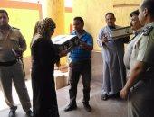 أمن بنى سويف توزع 1000 كرتونة سلع غذائية على السيدات الفقيرات بمركز ببا