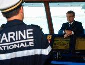 بالصور.. الرئيس الفرنسى ماكرون يزور وحدة كوماندوز للبحرية الفرنسية
