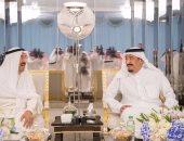 أول صور للقاء أمير الكويت بالعاهل السعودى لبحث أزمة قطع العلاقات مع قطر