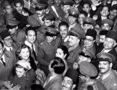 حكاية صورة.. فنانون يحتفلون مع محمد نجيب بنجاح ثورة 23 يوليو