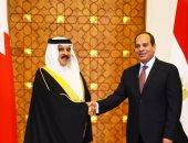 عاهل البحرين وولى العهد يهنئان الرئيس السيسى بذكرى ثورة 23 يوليو