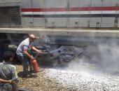 """بالفيديو والصور.. حريق جرار يعطل قطار """"القاهرة - الفيوم"""" بمحطة سكك حديد العياط"""