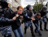 الشرطة الروسية تغرم مواطنا لخرقه قواعد العزل الصحى.. فيديو