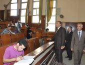 بالصور ..رئيس جامعة المنوفية يتفقد سير الإمتحانات وتحديثات المعامل بكلية العلوم