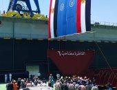 مهاب مميش وكامل الوزير يرفعان علم مصر على ونشين بترسانة بور سعيد البحرية