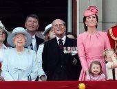 بالفيديو.. إغماء 5 حراس فى الاحتفال السنوى لعيد ميلاد ملكة بريطانيا