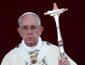 بالصور.. بابا الفاتيكان يترأس طقوس دينية فى كنيسة سانت جون بروما