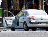 بالفيديو: مسلح يقود سيارة يصدم دورية للشرطة الفرنسية فى الشانزليزية