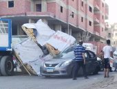 قارئ يشارك بصور لانقلاب سيارة أخشاب أسفل كوبرى القبارى بالإسكندرية