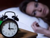 دراسة: الأشخاص الذين يعانون الأرق وعدم النوم يتناولون وجبات سريعة أكثر