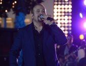 بالفيديو.. إينرجى تحتفل بعيد ميلاد هشام عباس فى الاستوديو