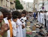 بالصور.. مسلمو فرنسا يؤدون صلاة عيد الفطر  بمسجد باريس الكبير