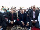 بالفيديو والصور.. المحافظون ومدراء الأمن والآلاف يؤدون صلاة عيد الفطر بالمحافظات
