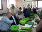 بالصور.. محافظ بورسعيد يشارك المسنين إفطار أول أيام عيد الفطر