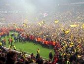 عندما تتحول أفراح كرة القدم إلى جنون!