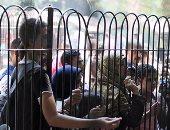 بالصور.. زيادة الإقبال على حديقة الحيوان.. وانتشار مكثف للشرطة النسائية