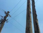 بالصور..تهالك شبكة الكهرباء وأعمدة الإنارة بعزبة عتمان بالبحيرة
