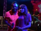 """بالصور.. رامى جمال يغنى لزوجته ناريمان فى حفله بـ""""رأس سدر"""""""