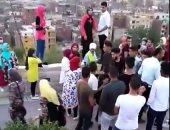 بالفيديو.. شباب يتحرشون بمجموعة من الفتيات بالأزهر بارك