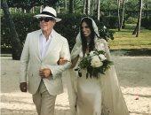 ابنة المصمم تومى هيليفيجر تتزوج بفستان زفاف اشتركت فى تصميمه مع والدها