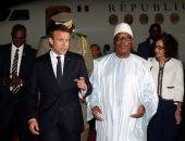 بالصور.. الرئيس الفرنسى يصل مالى فى إطار مكافحة الإرهاب