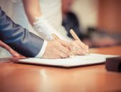 العدل تكشف حقيقة ما تردد حول فرض رسوم سنوية على عقود الزواج وردها حالة الطلاق