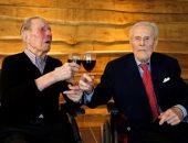 بلجيكيان ينضمان لموسوعة جينس كأكبر توأم فى العالم بعد بلوغهما 104 أعوام